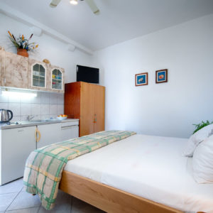 Holidays in Komiza - Apartman Porpini