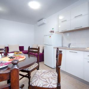 Holidays in Komiza - Apartman Roko
