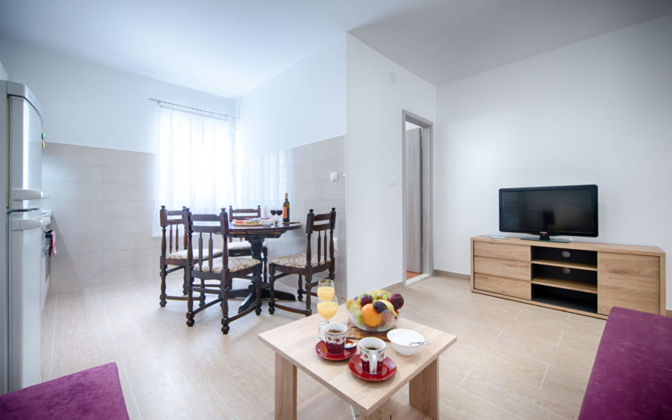 Holidays in Komiža - Apartman Roko photo gallery